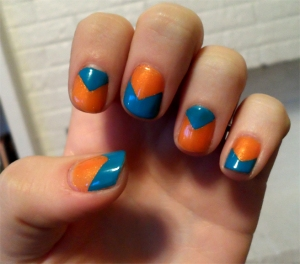 blue-and-orange-reverse-chevron-nail-polish-manicure1