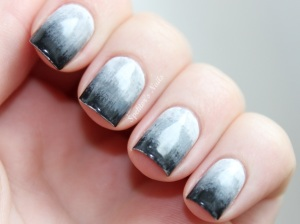 Grey_Gradient_Nails_A